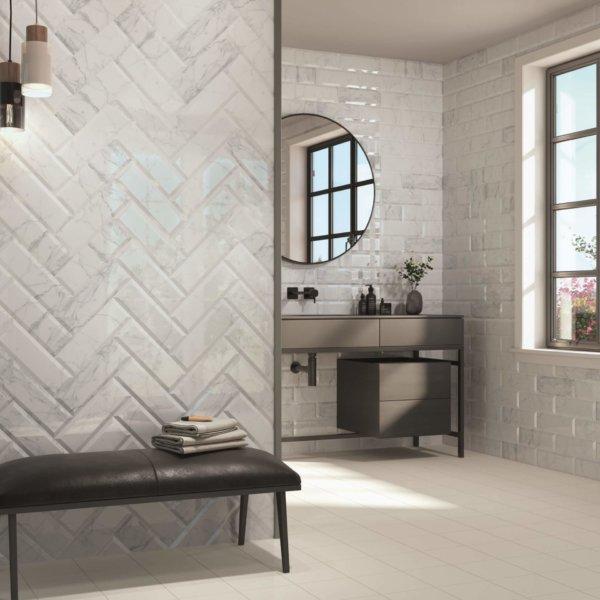 CRS Carrara Biselado Brillo 100x300mm_Stiles_Lifestyle_Image