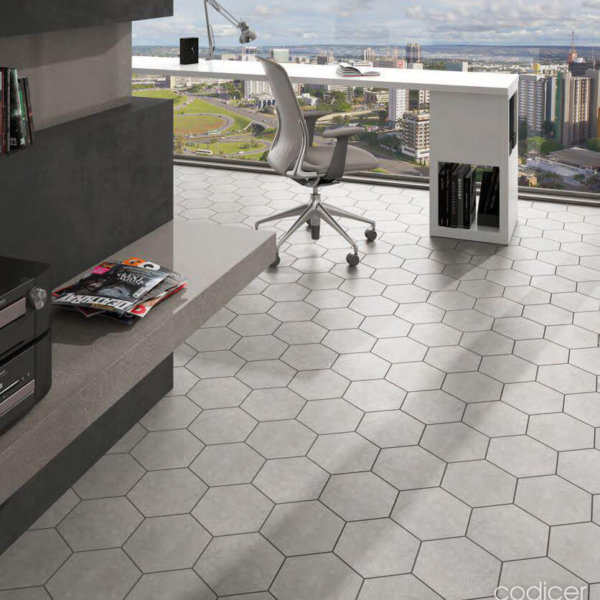 Codicer Hexagon Traffic Silver 220x2502mm_Stiles_Lifestyle_Image