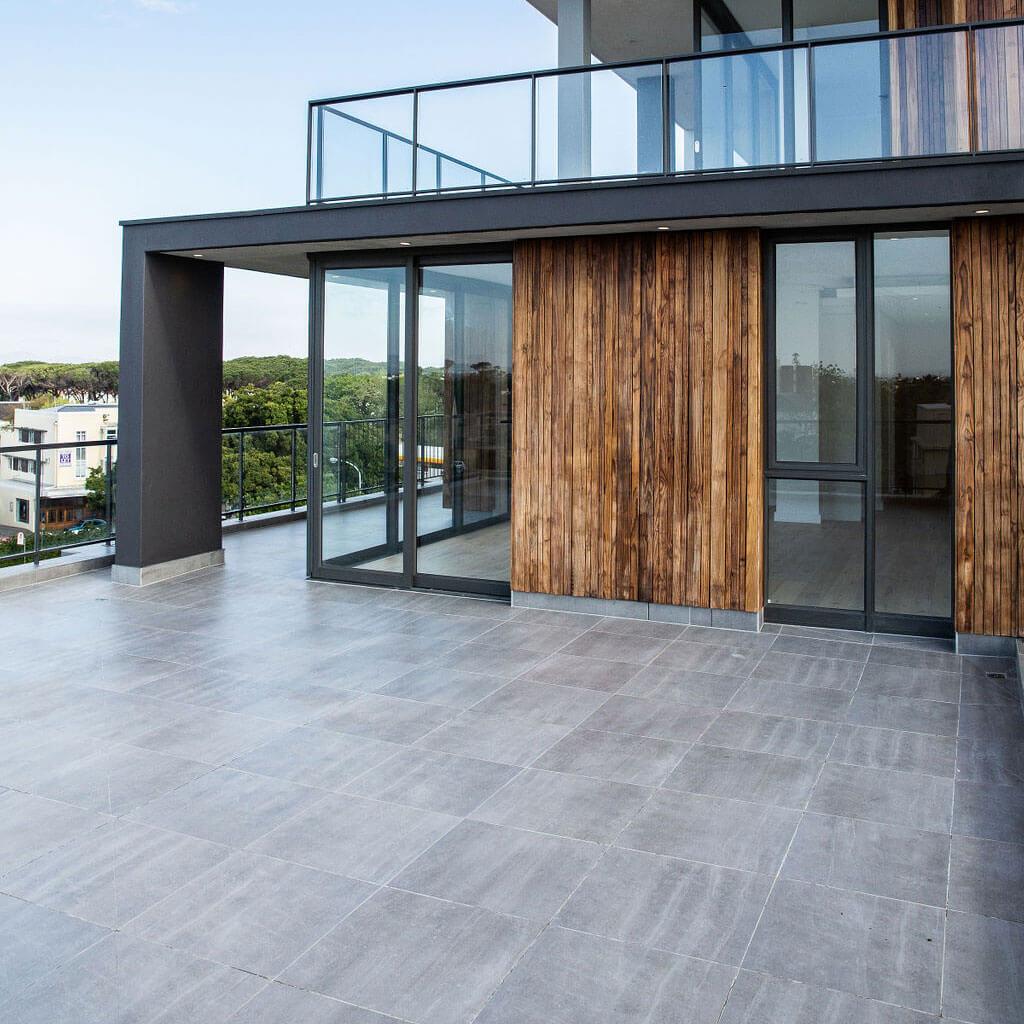 E Stone Grey Augusta SR 600x600mm_Stiles_Lifestyle_Image3